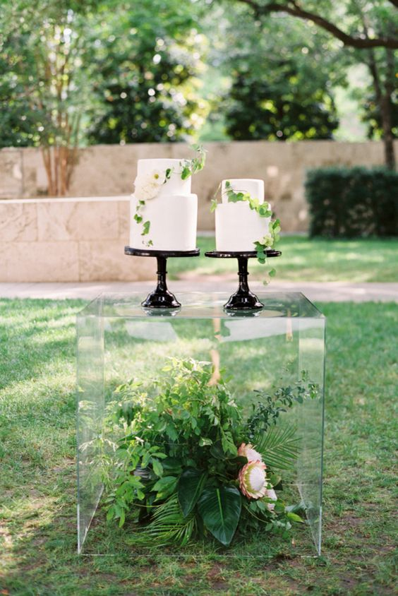 Transparent Plinths