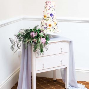 Ivory Dresser to hire Bedfordhsire. Photo from Summer Lily Studio.