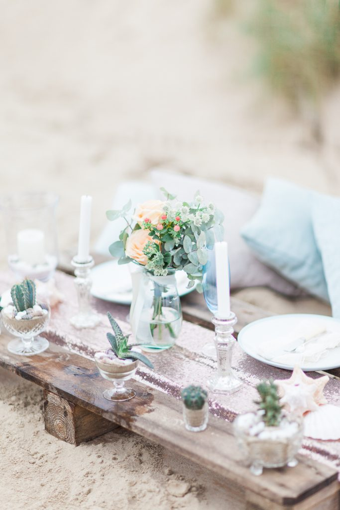 Summer Lilly Studio. Beach Shoot. Camber Sands.Styled  Tablescape by The White Emporium. Peach Tones.