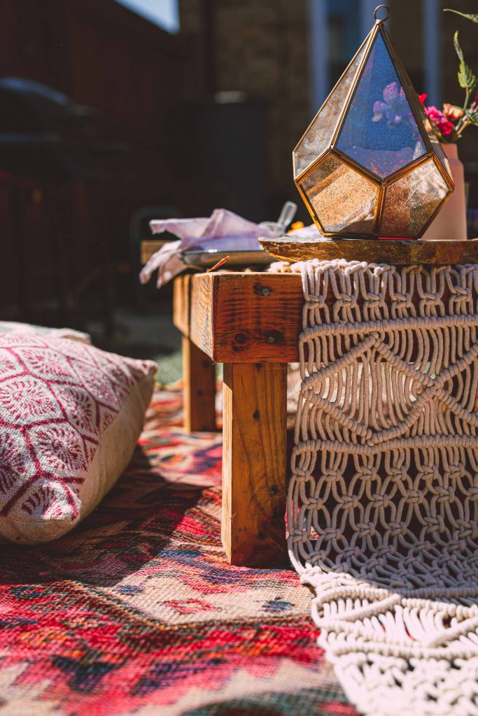 Spend the weekend in style with a boho picnic.